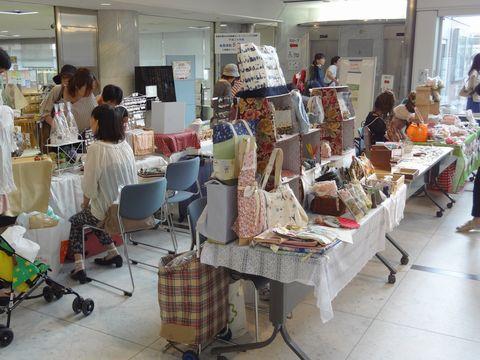 京都アートフリーマーケット ウィングス京都1階