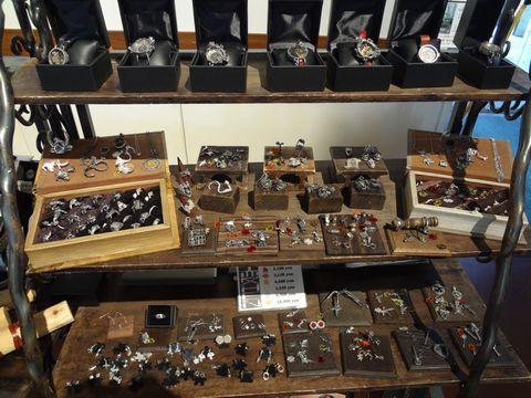 京都アートフリーマーケット アクセサリーとオリジナル時計