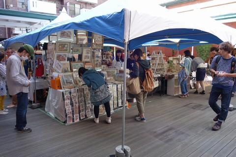 京都アートフリーマーケット 京都文化博物館 中庭ウッドデッキ