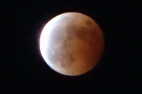 10月8日皆既月食から部分月食へ