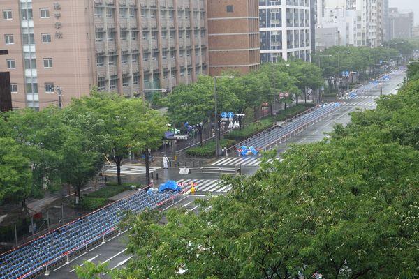 2015雨の祇園祭前祭 山鉾巡行後の御池通