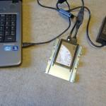 SATA変換ケーブルでSSDをPCに接続
