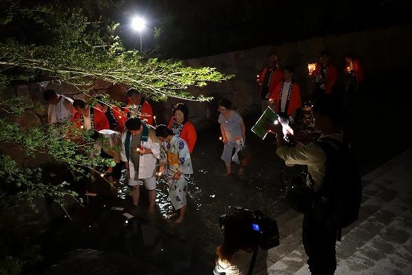 京の七夕 足つけ灯明神事 水みくじ引き