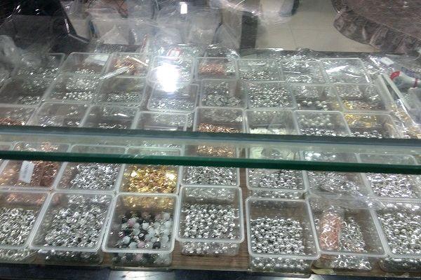 中国 華東国際珠宝城 装飾金具