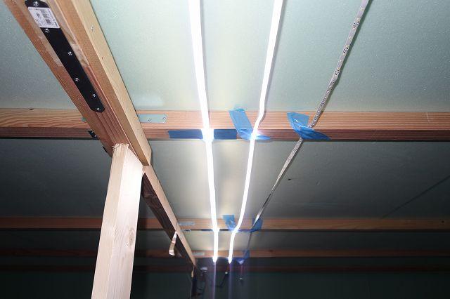 LEDテープライト 明るさの比較
