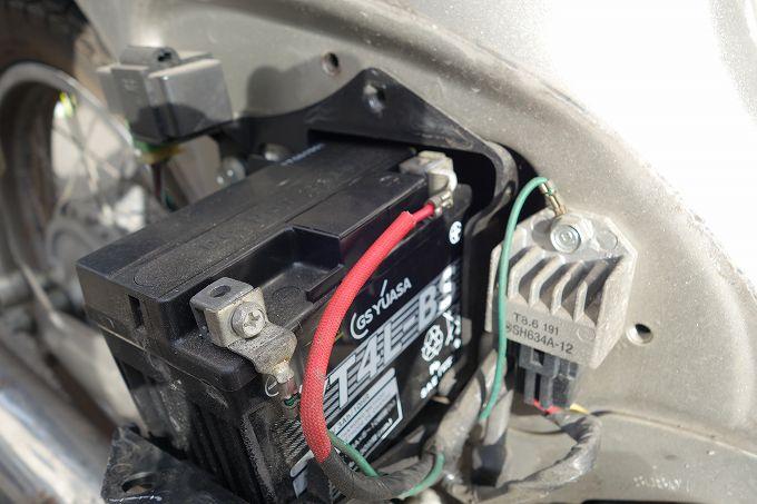 カブ バッテリー交換