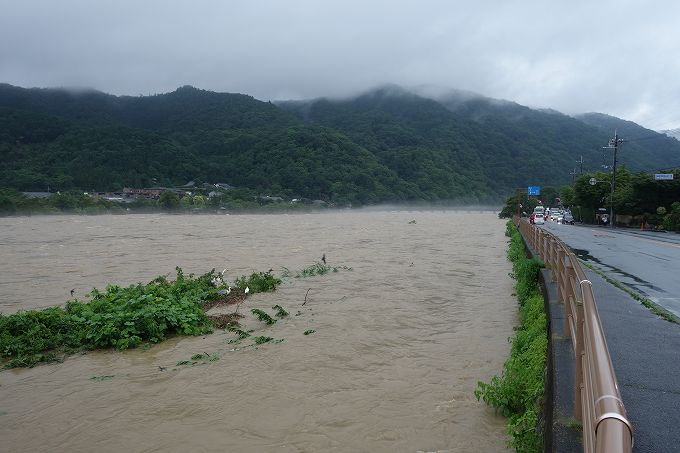 増水した桂川 嵐山